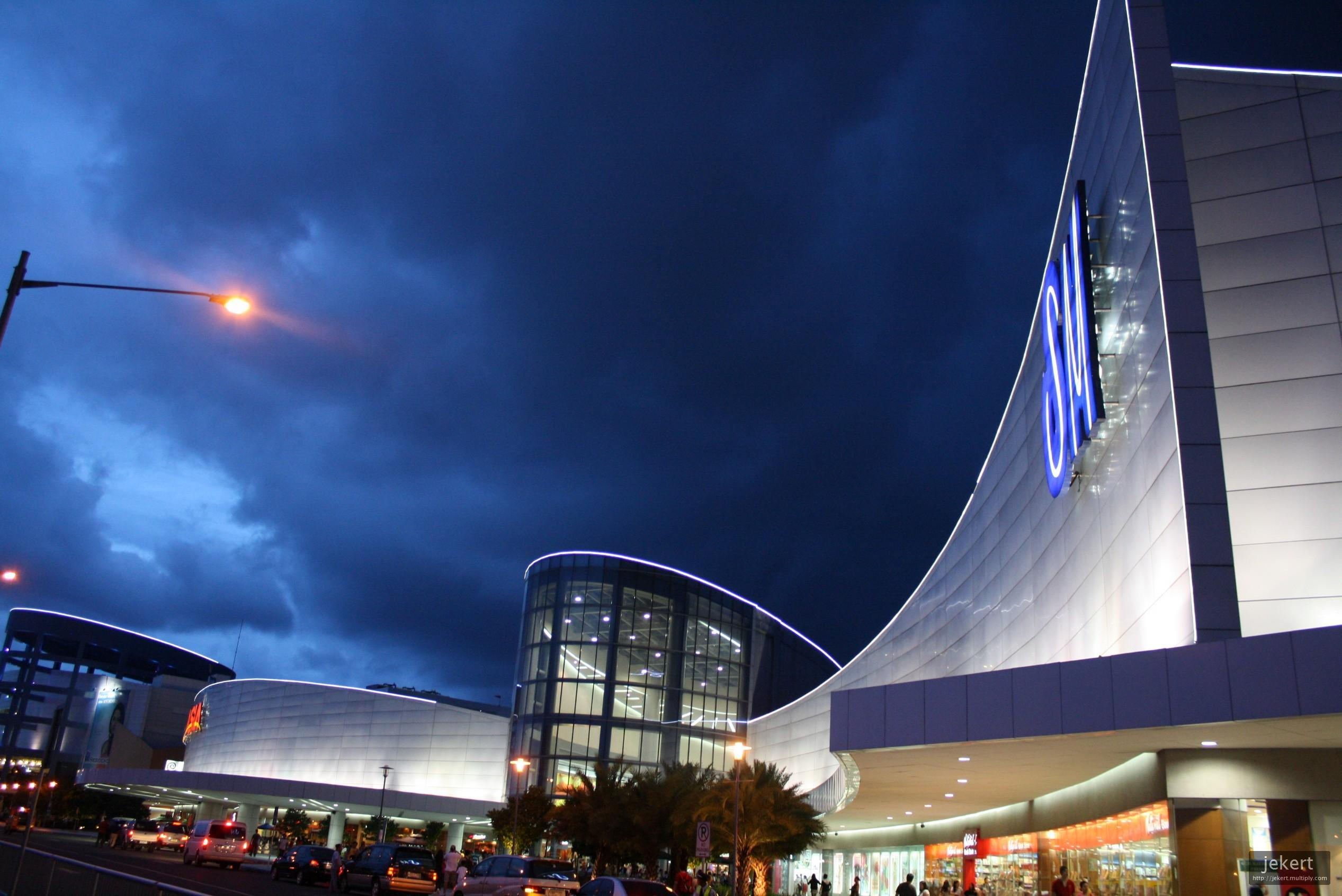 SM Mall of Asia: One of the Largest Malls in Asia