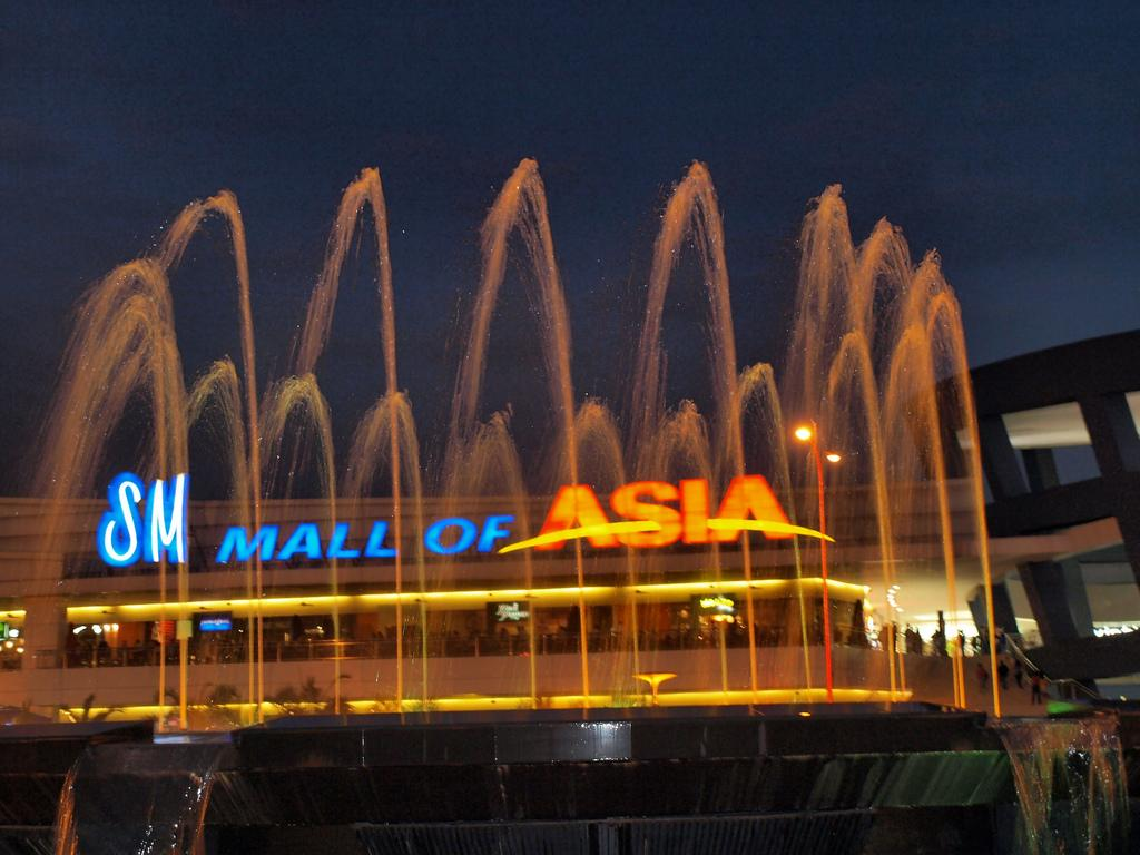 Sm Mall Of Asia One Of The Largest Malls In Asia